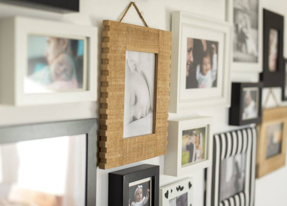 Tips How Hang Photo Frames